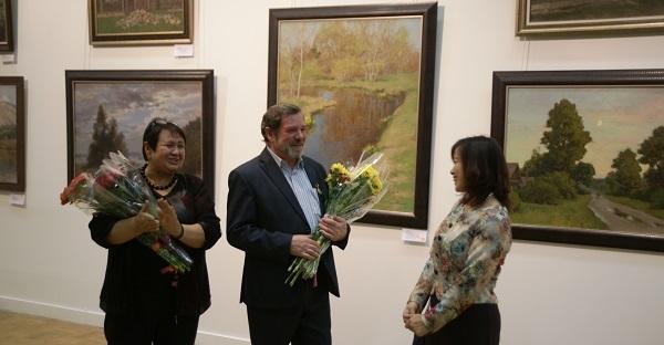 Алина Милехина (галерея Меларус Арт) Валерий Секрет  автор выставки и гость вернисажа