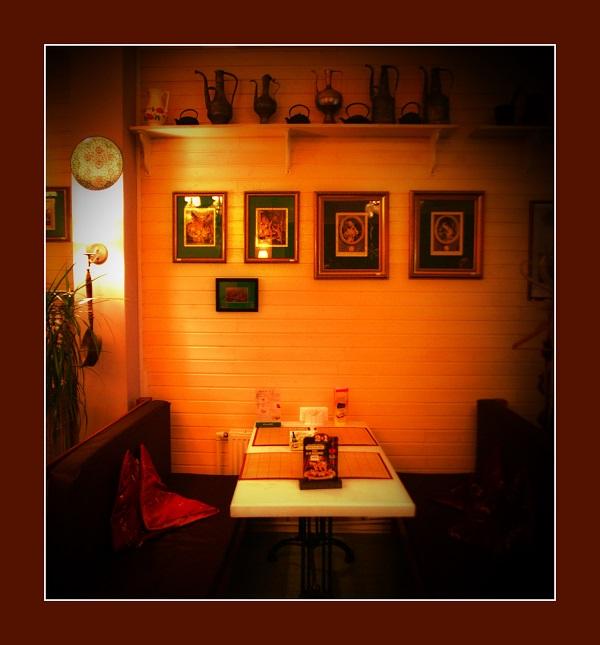 """Ресторан-кафе """"Сад"""", где можно отдохнуть от суеты столицы, не покидая её центра."""