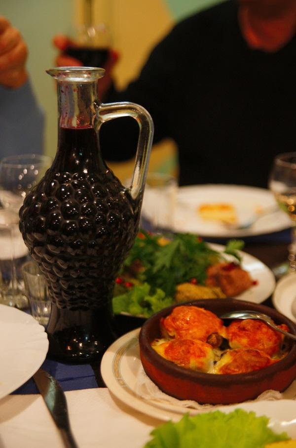 Грузинское «домашнее» вино. И аутентичная грузинская кухня. Кафе домашней грузинской кухни «Шпинат» Брюсов переулок д. 2/10, стр. 14