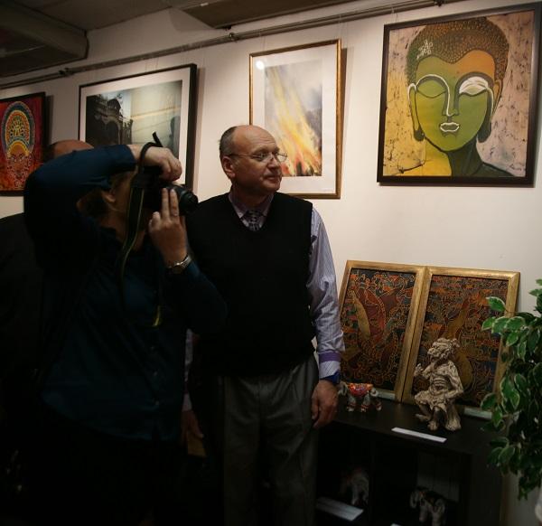 """Педагог Студии """"Ревсан"""" Сергей Александрович Ревуцкий представил работы своих учеников. Яркие, блистательные творения юных скульпторов в этой выставке потрясли зрителей высоким мастерством -- истинные произведения искусства, авторы которых непременно станут профессионалами."""