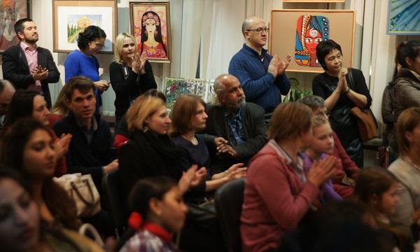 Большой вклад в работу конкурса внесли Зураб Пачулия, Омар Годинес (на фото в центре, среди сидящих в зале зрителей), Руслан Мигранов, Кьюэль Намо (члены жюри), Татьяна Метакса -- Председатель жюри конкурса.
