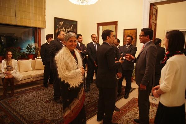 В посольстве Индии Кришна Рой