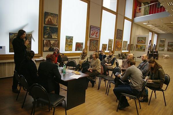 """В Выставочном зале МОСХ на Беговой, 7 состоялся """"Круглый стол"""" на темы об искусстве, продолжении традиций, о художественных династиях. Встреча прошла в рамках выставки """"Наследники"""""""