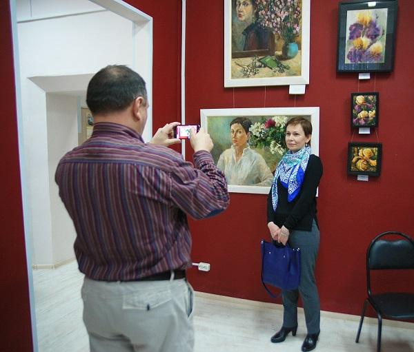 Выставка Женщины и цветы фото 2 Арт-Релиз.РФ