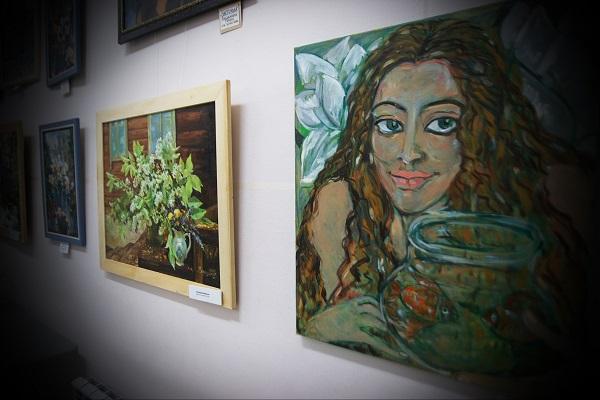 Выставка Женщины и цветы фото 5jpg Арт-Релиз.РФ