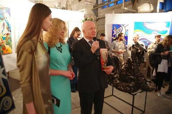 Олеся Кущенко Выставка Через Тернии к Звездам 1 Арт-Релиз.РФ