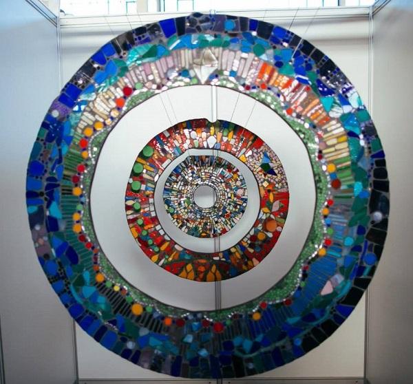 """Мастер-класс по мозаике из витражного стекла в стиле """"PIQUE ASSIETTE""""  на мероприятии  SOONDOOK MARKET"""