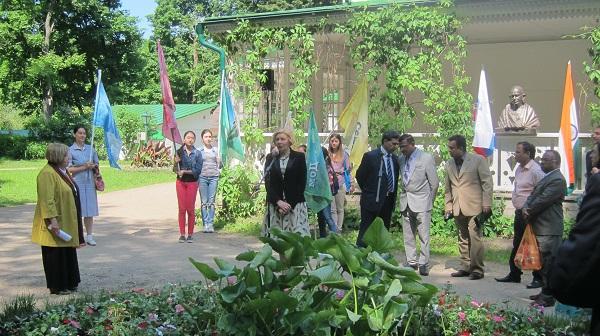 Все выступающие отмечали важность проекта для нравственного воспитания молодого поколения россиян, для развития культурного сотрудничества между народами России и Индии. 1 июня 2016 года Ясная Поляна