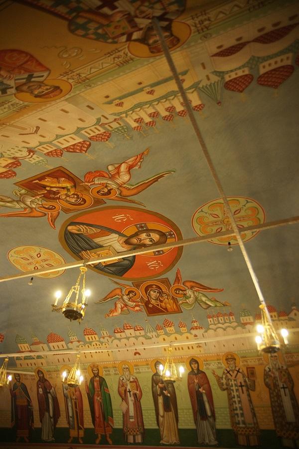 Роспись потолка и стен трапезной храма преподобного Сергия Радонежского  Высоко-Петровский монастырь