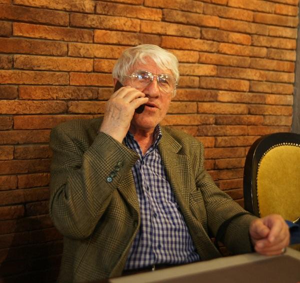 Олег Пересыпкин один из учредителей РОО «БРИКС. Мир Традиций» дипломат, востоковед профессор Дипломатической академии МИД РФ, заслуженный работник дипломатической службы России. Работал на дипломатических должностях в Северном Йемене, Ираке, Южном Йемене. Посол в Йеменской Арабской Республике (1980-1984), посол в Ливии (1984—1986), с 1986 по 1993 год – ректор Дипломатической академии и член коллегии МИД СССР, посол в Ливане (1996—2000).