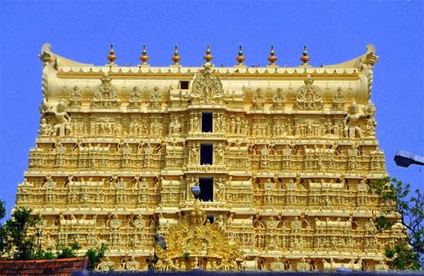 Храм Падманабхасвами -- индуистский храм Вишну, расположенный в городе Тривандрам (штат Керала, Индия). Является одним из 108 дивьядешам, святейших обителей Вишну. Главное божество, Падманабхасвами, — форма Вишну, пребывающая в позе Ананантхасаянам (мистический сон йога-нидра)