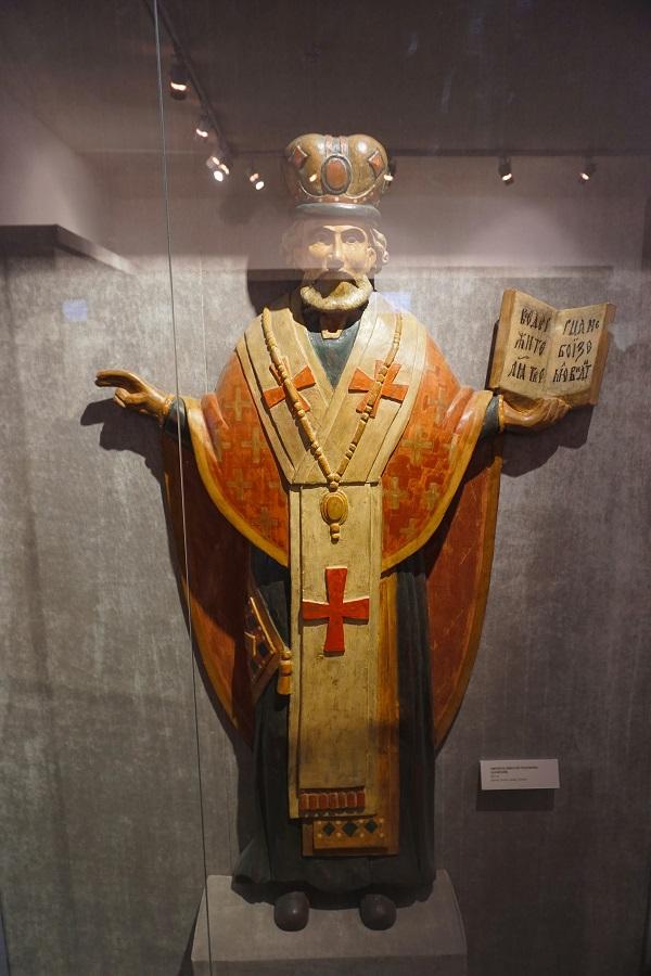 Святитель Николай Чудотворец (Зарайский) 19 в.  дерево, резьба, левкас, темпера