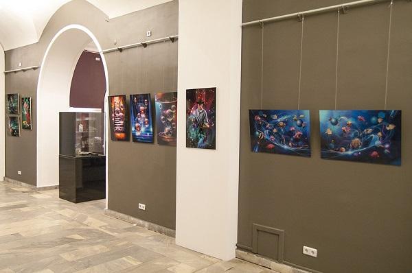 Впервые в экспозиции Творческого союза художников ДПИ представлено и цифровое искусство в работах Сергея Погорелого.