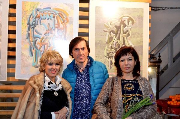 Ирэна Усова и Марат Кадышев -- гости мероприятия с участником выставки Натали Рахлиной