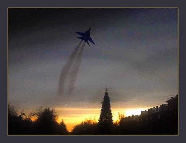 Прощальный пролет самолета Миг-29, посвященный памяти  Героя СССР Игоря Петровича Волка