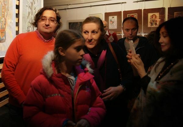 Римма Юсупова с сыном Андреем (слева)  и с друзьями