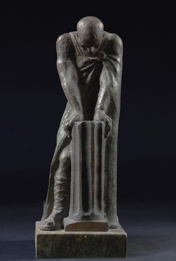 "Иван Коржев ""Понтий Пилат""  1998 г.  бронза мрамор  31х11х15"