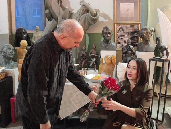 Выставка Ирины Богомоловой в Творческой Мастерской Рябичевых Йослен Арриохас Орсини поздравляет Ирину Арт-Релиз.РФ