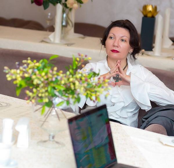 Татьяна Новикова Ведущая авторских психологических тренингов и мастер-классов