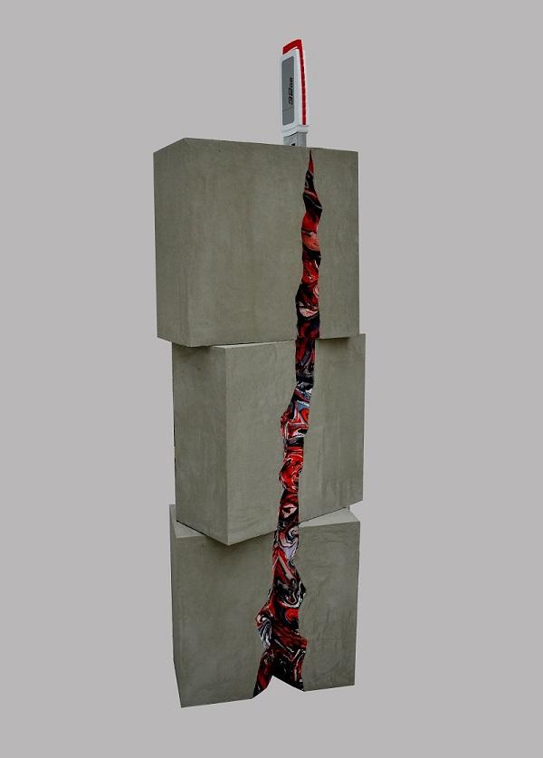 """Марина Звягинцева """"Информационное давление""""  инсталляция  2017 г. монотипия, пластик, смешанная техника"""