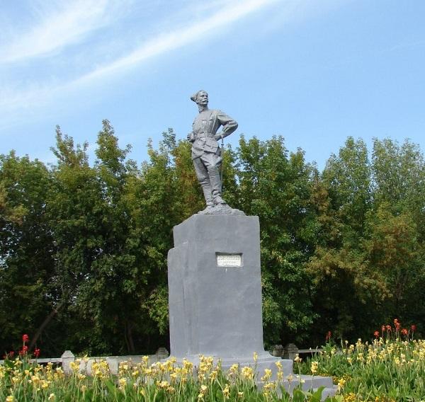Памятник Чапаеву Арт-Релиз.РФ.