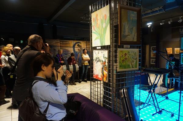 Выставка Bona Mente фотографы Выставка Bona Mente организатор Творческая Мастерская Рябичевых для Унивеситетской Клиники