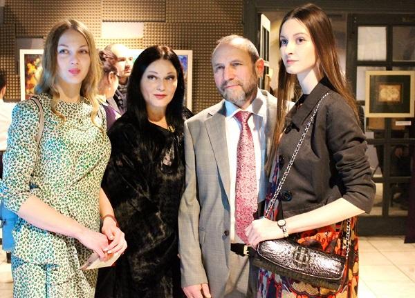 Рябичевы  Александр и Александра и их дочери София и Даниэла