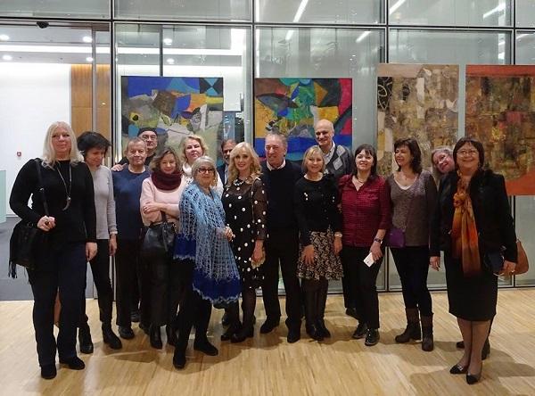 """Друзья и коллеги на выставке  Ларисы Белимы  """"Импровизация на тему..."""""""