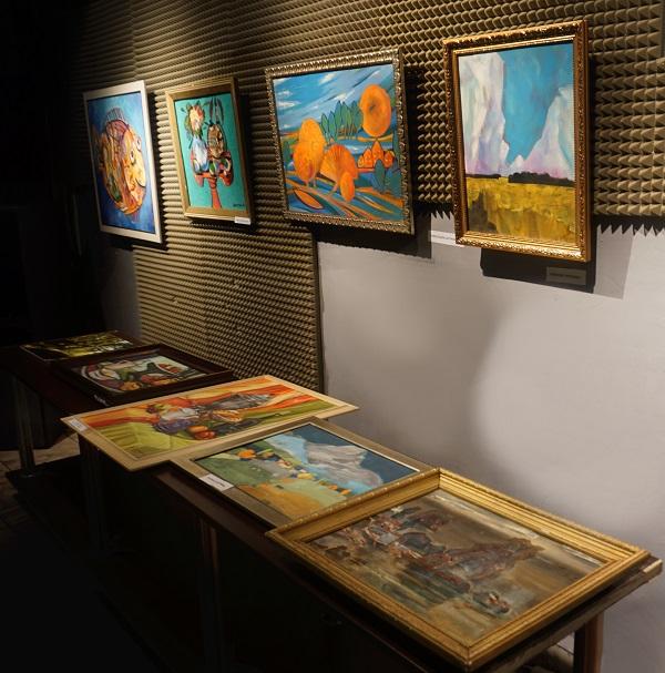 Все работы этой выставки по ее окончании отправятся в Унивеститетскую Клинику МГМСУ в Кусково (в новое отделение онкологии)