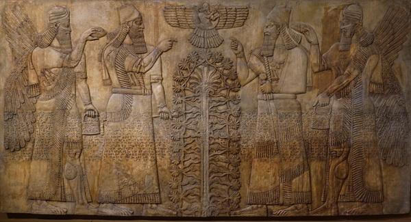 Слепки с рельефов из дворцов Ашшурнацирапала II в Кальху (современный Нимруд, Ирак), и Саргона II в Дур-Шаррукине (совр. Хорсабад, Ирак) Оригинал -- британский музей, Лондон; Лувр, Париж)