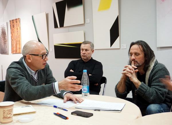 Серж Головач фотохудожник, автор ряда известных социально-художественных проектов, член актива секции арт-фото ТСХР, участник проекта
