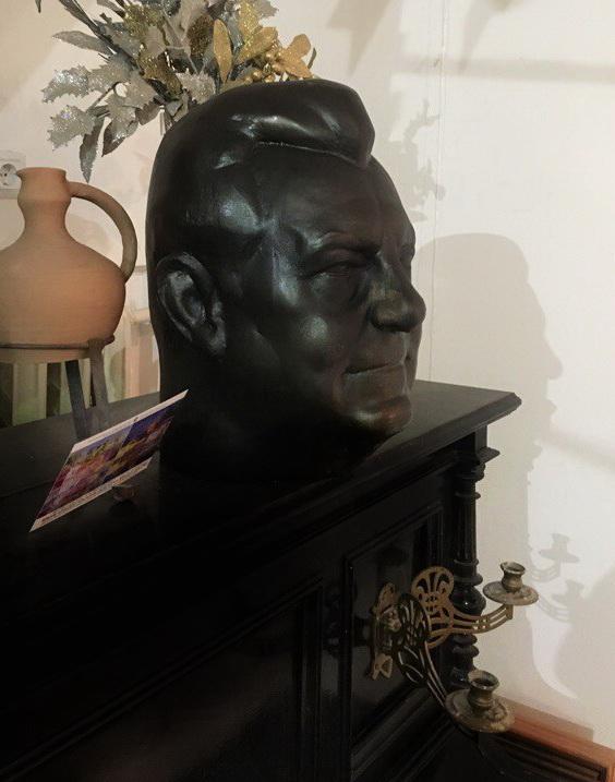 Портрет  Премьер-министра  Баварии  Франца Йозефа Штрауса в Мастерской Рябичевых