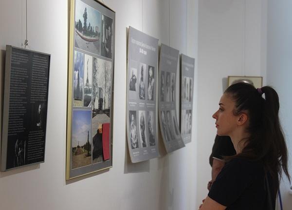 Выставка Рябичевых (фото 2) АРТ-Релиз.РФ