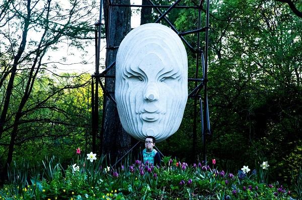 На фото:  Инсталляция Дмитрия Никитина