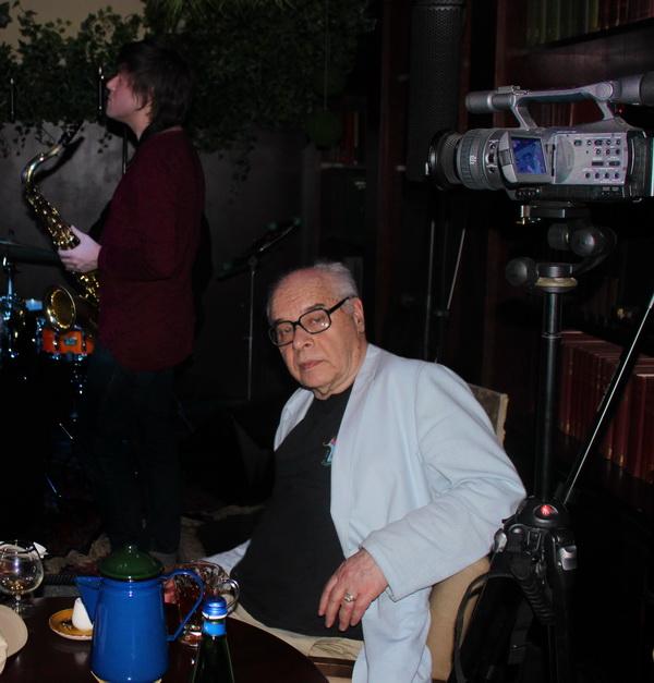 Михаил Сапожников доктор физико-математических наук, профессор, историк джаза, автор проекта TRANE ZEN ART Avant-Garde Jazz Laboratory Москва, Маросейка 9/2