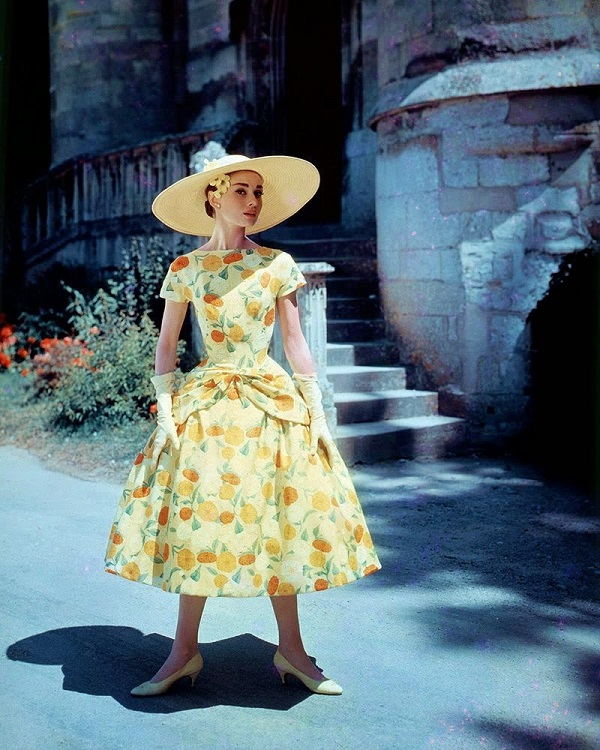 Одри Хепберн Франция, Шато-де-ля-Бланш-Рейне,  май 1956 г.