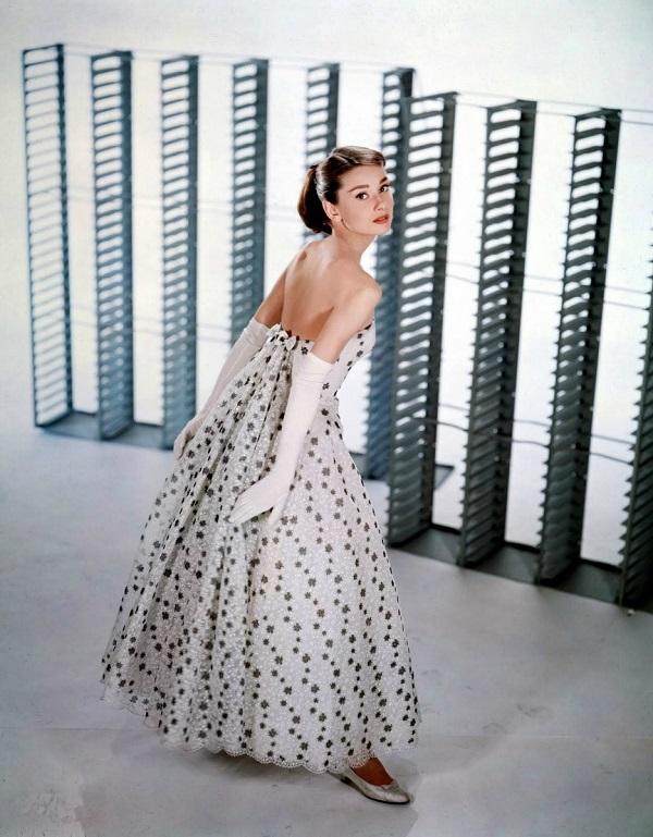 Одри Хепберн  в студии Paramount  фотосессия для рекламы  фильма  «Забавная мордашка» апрель 1956 г.