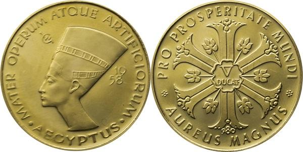 Золотая монета, выпущенная в 1958 году, ставшая прообразом известной модели  украшений Мириам Хаскелл