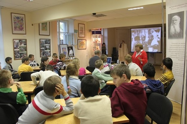 Благотворительная акция «Наполним добротой сердца детей» в коррекционной школе-интернате в Москве
