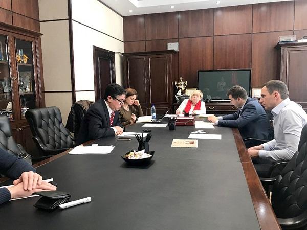 Встреча с Министром инвестиций и инноваций Московской области Денисом Буцаевым (первый справа)
