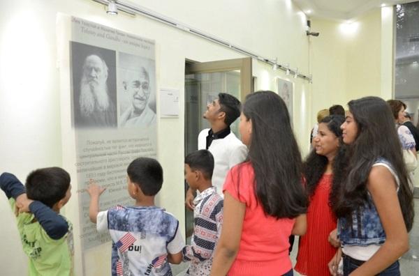 Выставка «Лев Толстой и Махатма Ганди уникальное наследие» в Российском центре науки и культуры в Мумбаи, Индия