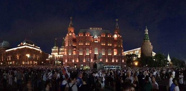 Манежная Площадь Москва фото София Загряжская