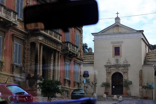 Санта-Северина История города начинается с V века, и архитектура представляет разные эпохи, начиная с раннего средневековья.  Фото Даниэла Рябичева