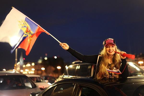 """Фото  Станислав Че серия """"Флаги и люди"""""""
