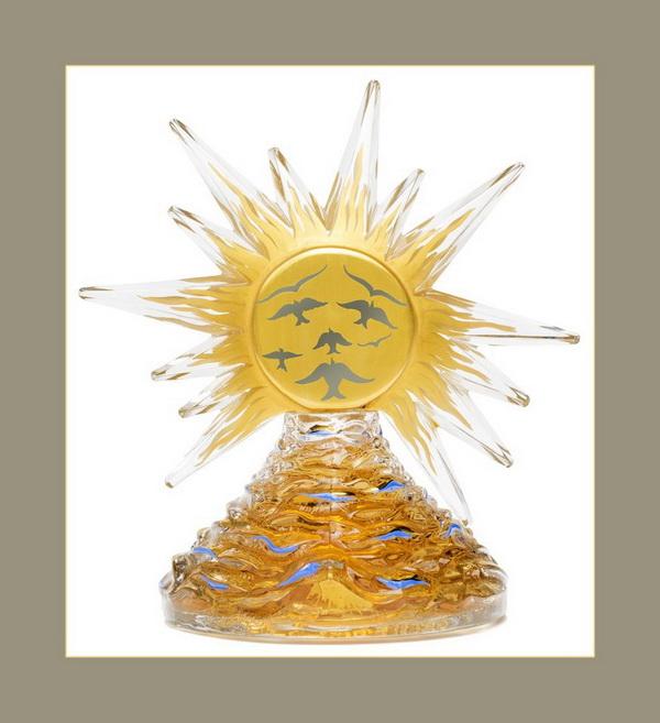 """Духи и флакон """"Le Roy Soleil"""", созданные Эльзой Скиапарелли и Сальвадором Дали в 1946 году в знак Возрождения Франции после Второй Мировой войны"""