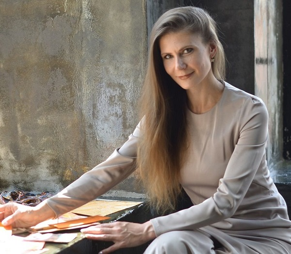 Анастасия Данилочкина искусствовед, художник,  автор уникальной живописной техники