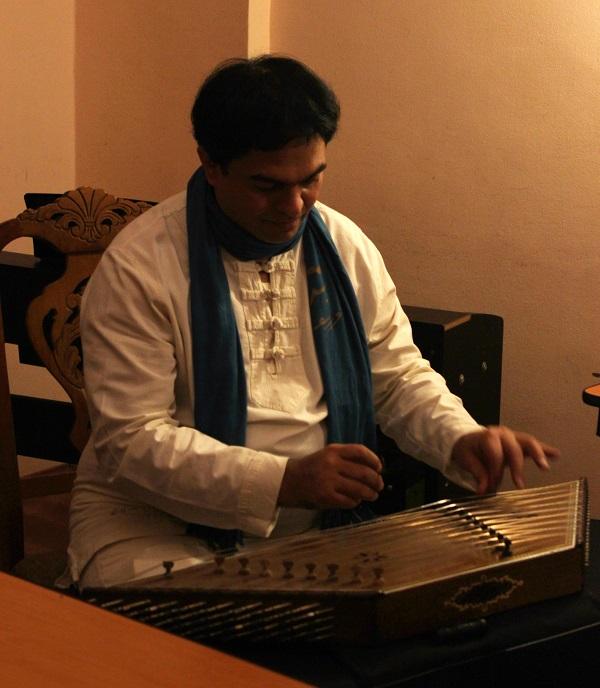 """Хамид Реза Дадоо  музыкант  (нэй, вокал, тонбак, даф) Руководитель ансамбля """"Мехрабанан"""""""