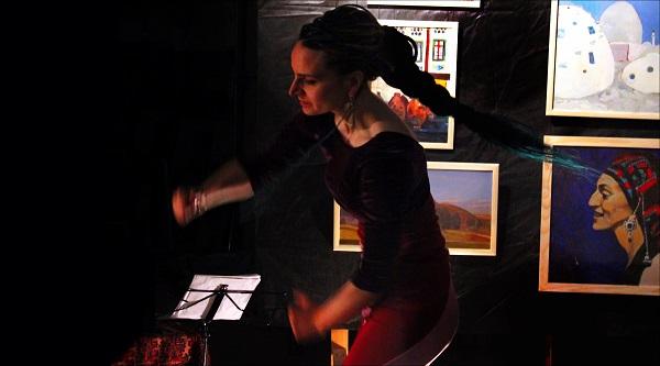Мария Комыса танец с выставки Творческая Мастерская Рябичевых Журнал ART-Reliz.RF, фото Арт-Релиз.РФ