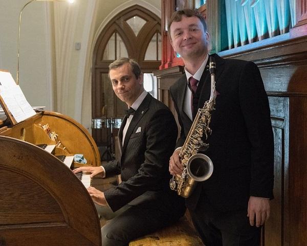 Дуэт Алексей Круглов  (саксофон)  Игорь Гольденберг  (фортепиано) участники Благотворительного концерта  в Соборной Палате  25 декабря 2019 года