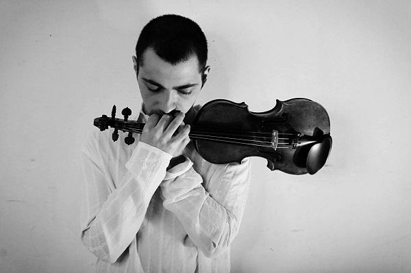 Даниил Коган  (скрипка) участник Благотворителього концерта  в Соборной Палате  25 декабря 2019 года